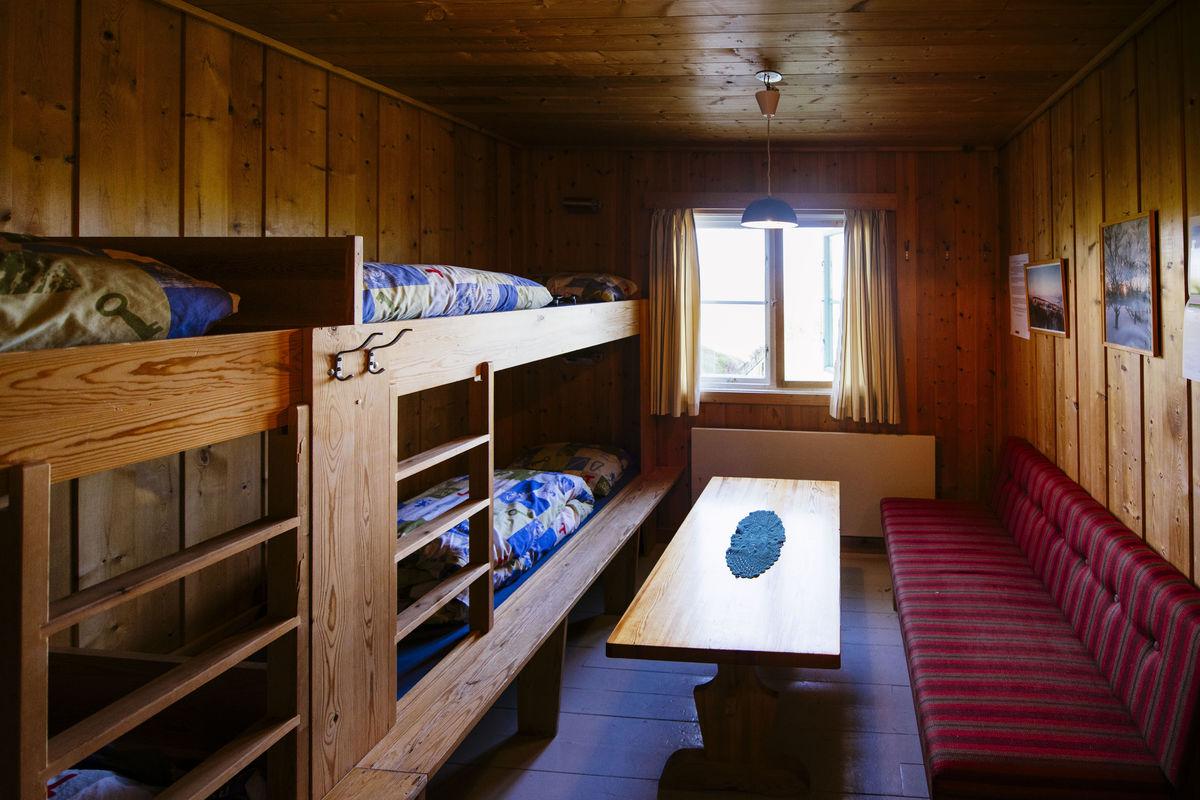 Nedalshytta har 28 sengeplasser