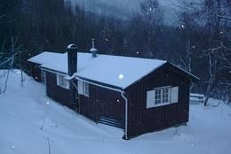 Fossestua vinter - Foto: Raymond Riise