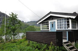 Selfjordhytta ligger nydelig plassert - Foto: Tone Repstad