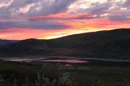 Solnedgang over Kalhovd Turisthytte - Foto: Elin Follserås