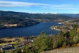 Upåklagelig utsikt over Notodden, Heddal og Lifjell -  Foto: Ottar Kaasa
