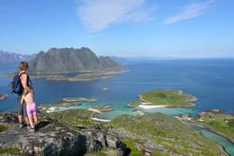 Skrovafjellet i Lofoten, utsyn mot Molldøra - Foto: Trond Løkke