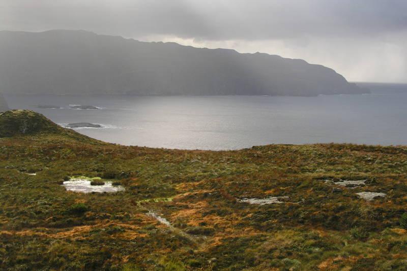 Mot Nibbefjell - utsikt mot Bremangerlandet i sør, okt.04 (37)