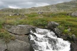 Jentetur med Vesterålen Turlag høsten 2009 til Toralfsbu. Den ser du i bakgrunnen. <br /> - Foto: Ann Thrane