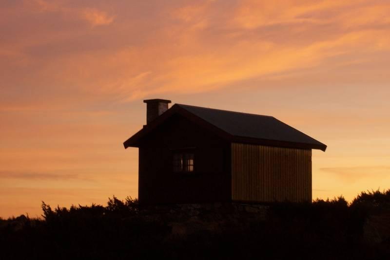 Solnedgang over Lyngbua, november 2011
