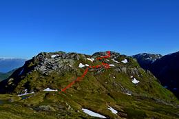 Innteikna rute frå skaret mellom Kjetilsnuten og Skrivarnuten Bildet er teke frå Skrivarnuten. - Foto: Kjell Inge Tufte Tyssen