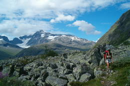På tur til Skogadalsbøen - Foto: Skogadalsbøen Turistforening