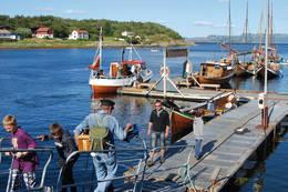 Kystkulturdagene i Lysøysund er en årlig begivenhet som samler folk fra fjern og nær. - Foto: Asgeir Våg