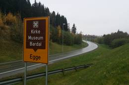 Stien går langs E6 et lite stykke - Foto: Visit Innherred