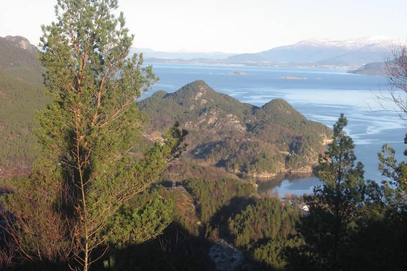Utsikt mot Halsenøy, men skygge fra Dreng