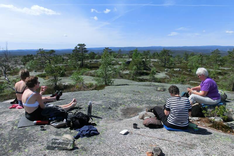 Matpause på toppen av Velaus 517 moh