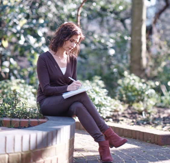 Image of Julia McCutchen Reading