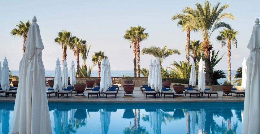 The Annabelle Hotel Resort Pool Bar