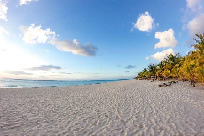 Dinarobin Hotel Mauritius Beach Shot