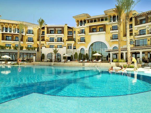 Intercontinental mar menor golf resort spa overview for Piscina hotel w santiago