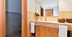 Las Terazzas Bathroom 1