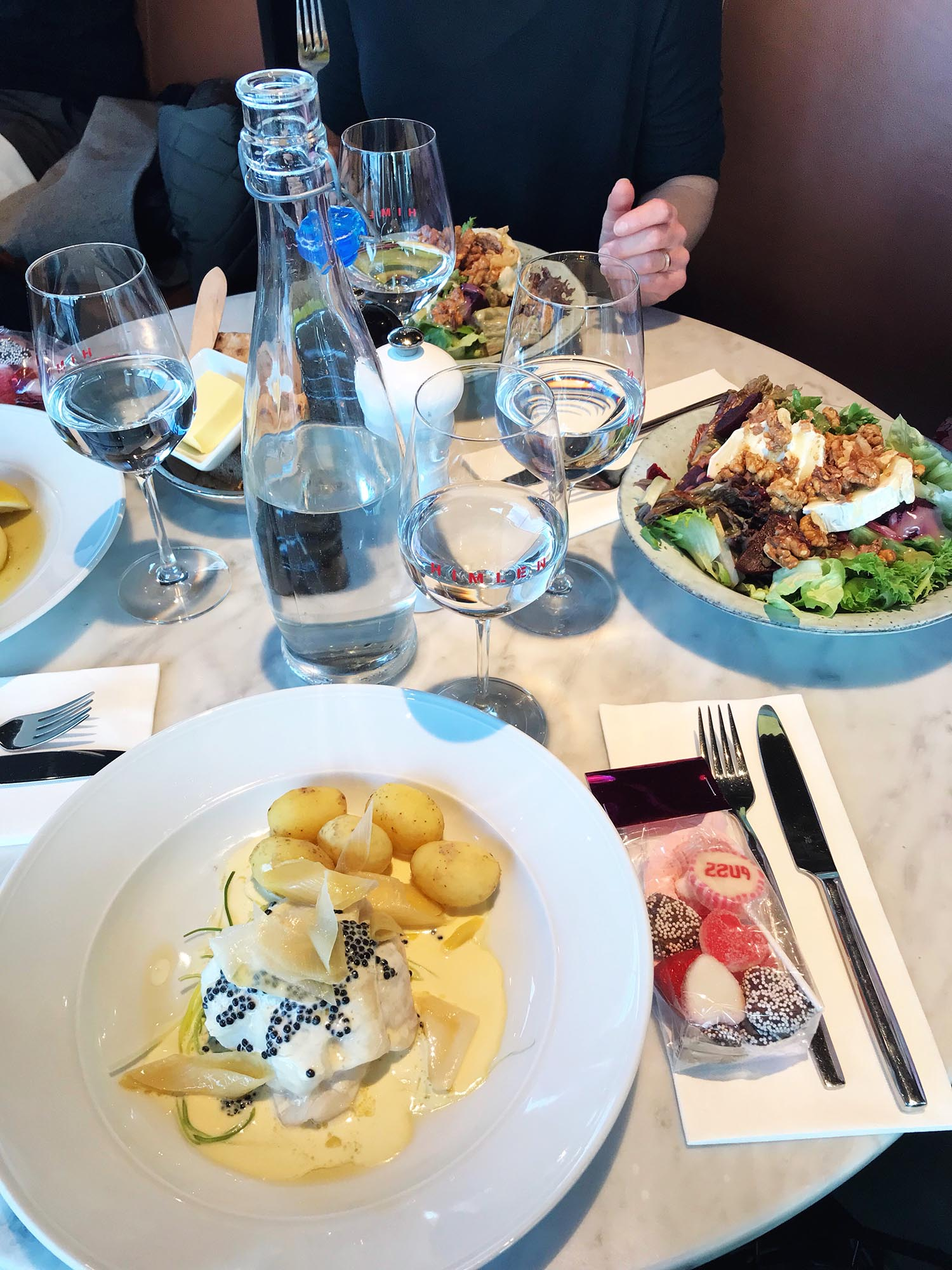 Kreativ lunch på restaurang himlen