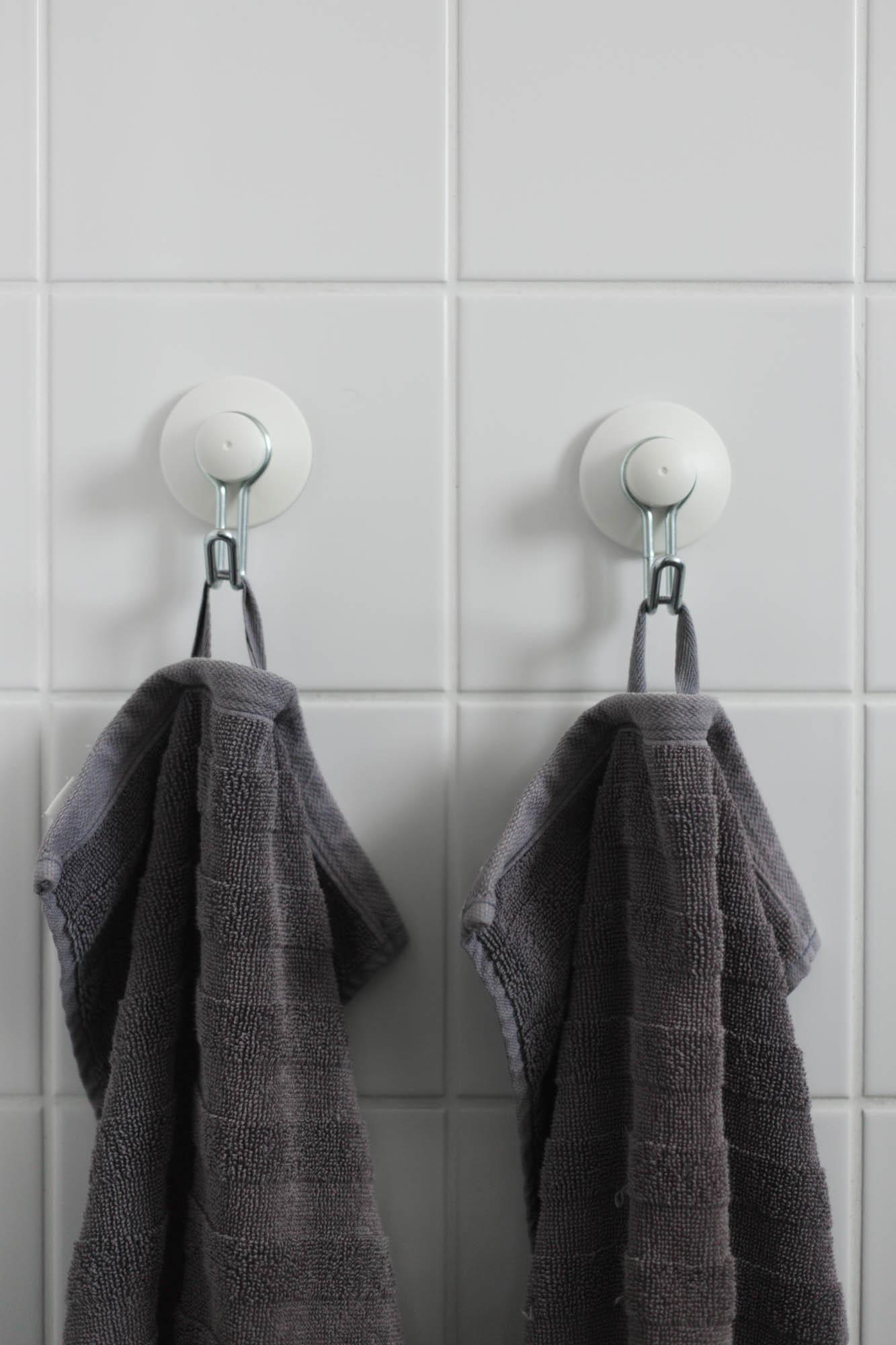 Krokar i badrummet - FÖRE