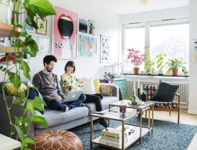 Hemma hos kreatören Anna-María Larsson från Lövstalöt, känd från TV4:s program Superskaparna.