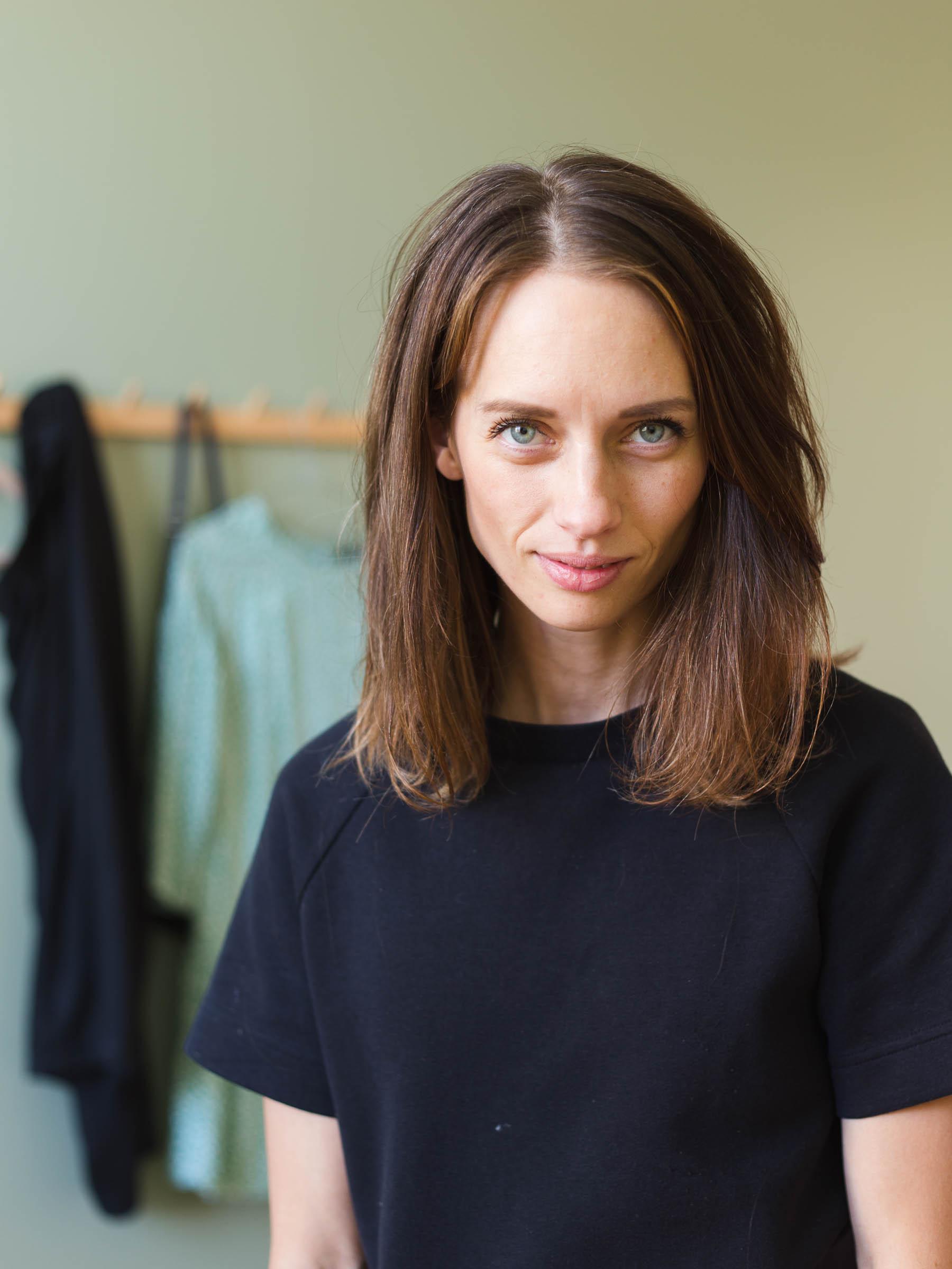 Anna María långt hår, före klippning