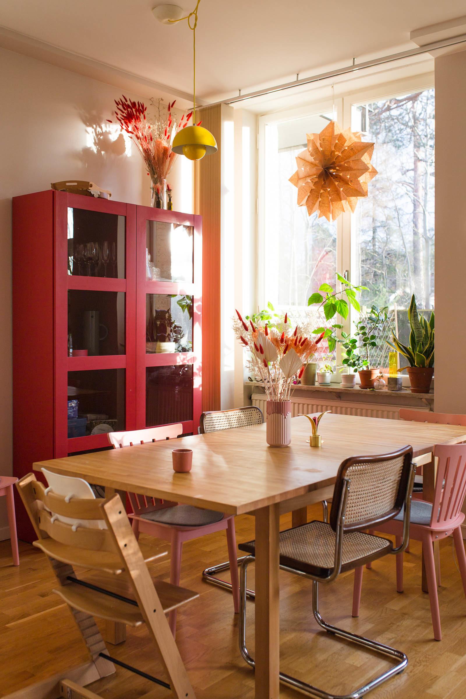 Rött skåp till köket - Dnilva
