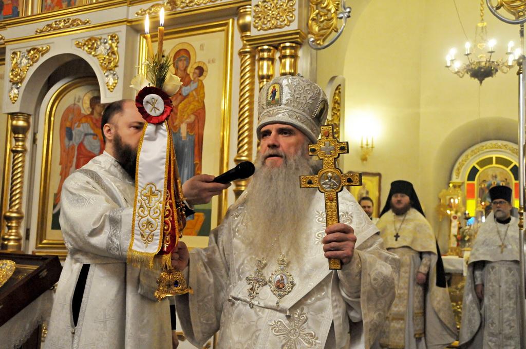 Преосвященный Мефодий: Благодарю всех, кто пришел сегодня поздравить Христа с днём рождения