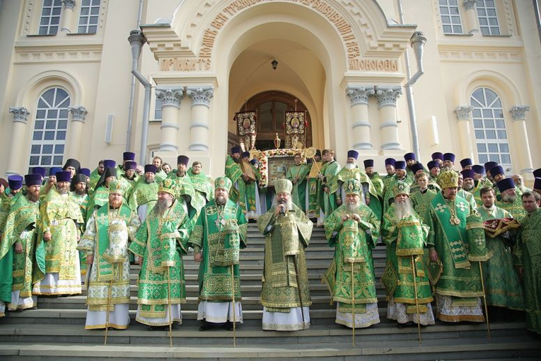 Праздничную литургию в день праведного Симеона совершил сонм архипастырей в Свято-Николаевской Верхотурской обители