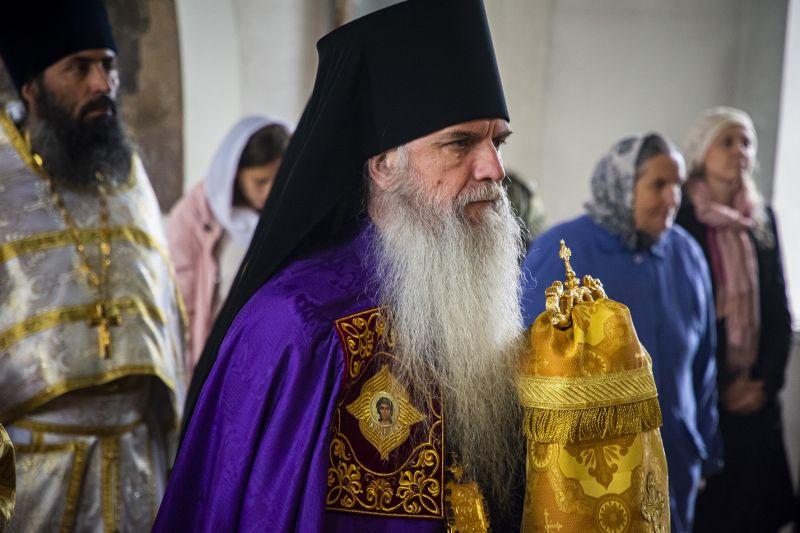 Преосвященный Мефодий совершил Божественную литургию в храме пророка Илии