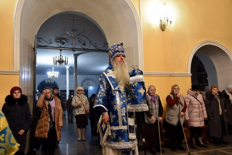 Преосвященный Мефодий совершил Всенощное бдение в Свято-Троицком кафедральном соборе Каменска-Уральского