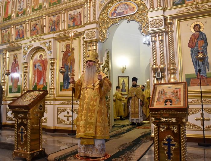 Божественная литургия в день Зачатия праведною Анною Пресвятой Богородицы