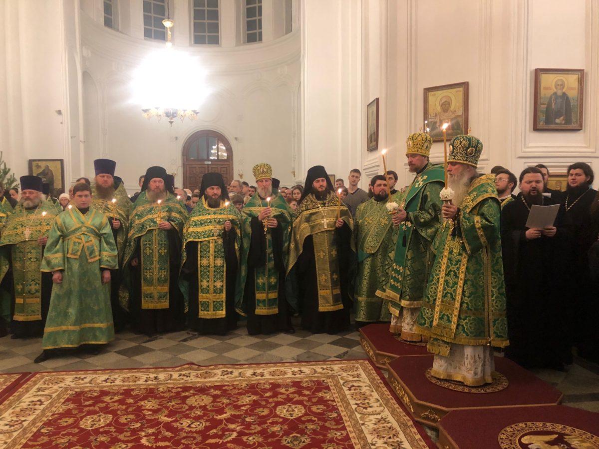Всенощное бдение в Свято-Николаевском монастыре в Верхотурье