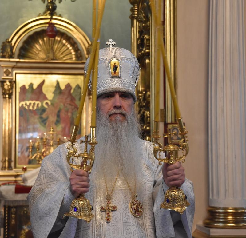 Архиерейская Божественная литургия в Покровском храме города Каменска-Уральского