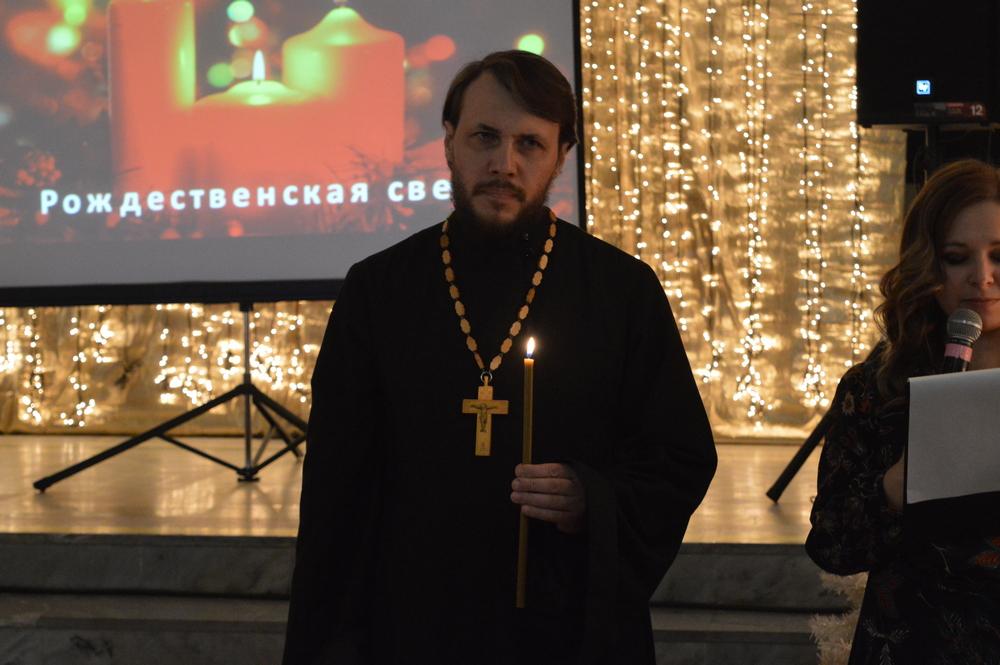 В Каменске-Уральском вновь зажглась Рождественская свеча