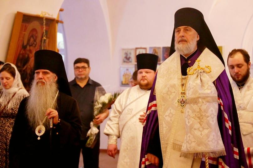 Владыка Мефодий принял участие в благодарственном молебне в кафедральном храме в честь Святителя Николая г. Шадринска