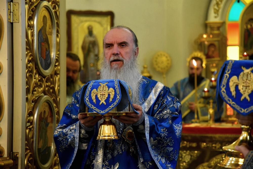 Архиерейская Божественная Литургия в неделю о блудном сыне