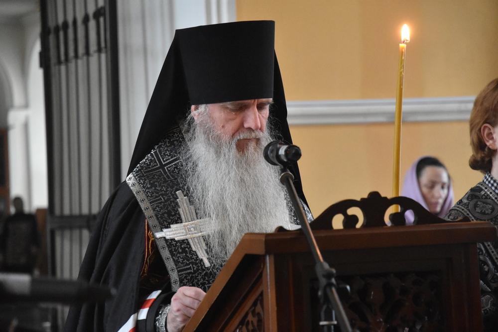 Епископ Мефодий совершил утреню с чтением Великого канона преподобного Андрея Критского
