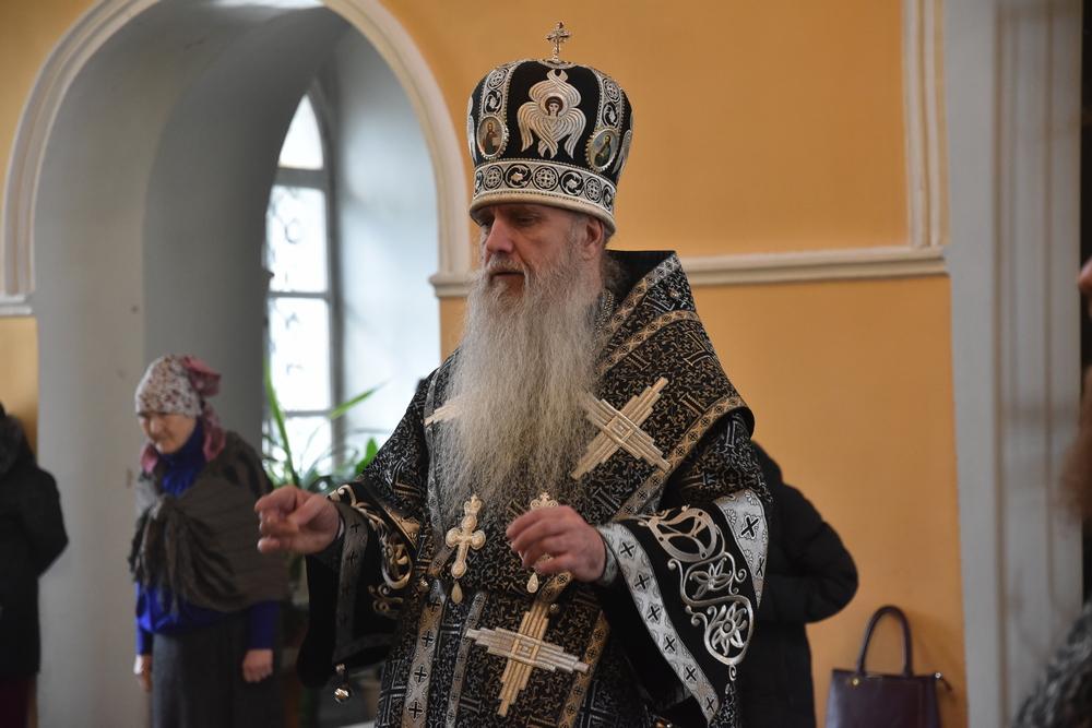 Литургию Преждеосвященных Даров возглавил Владыка Мефодий