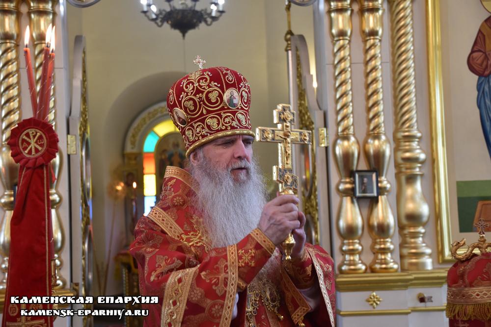 В день отдания праздника Пасхи Владыка Мефодий совершил Литургию