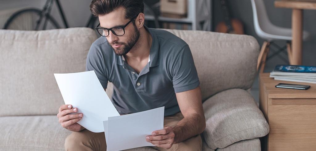 Obniżka pensji - kiedy to możliwe?