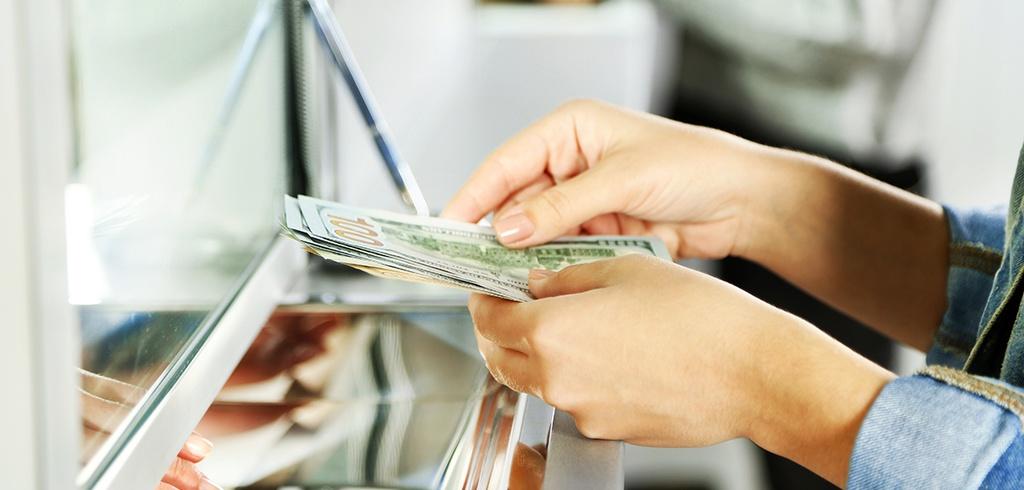 Rosną płace w nisko opłacanych branżach.