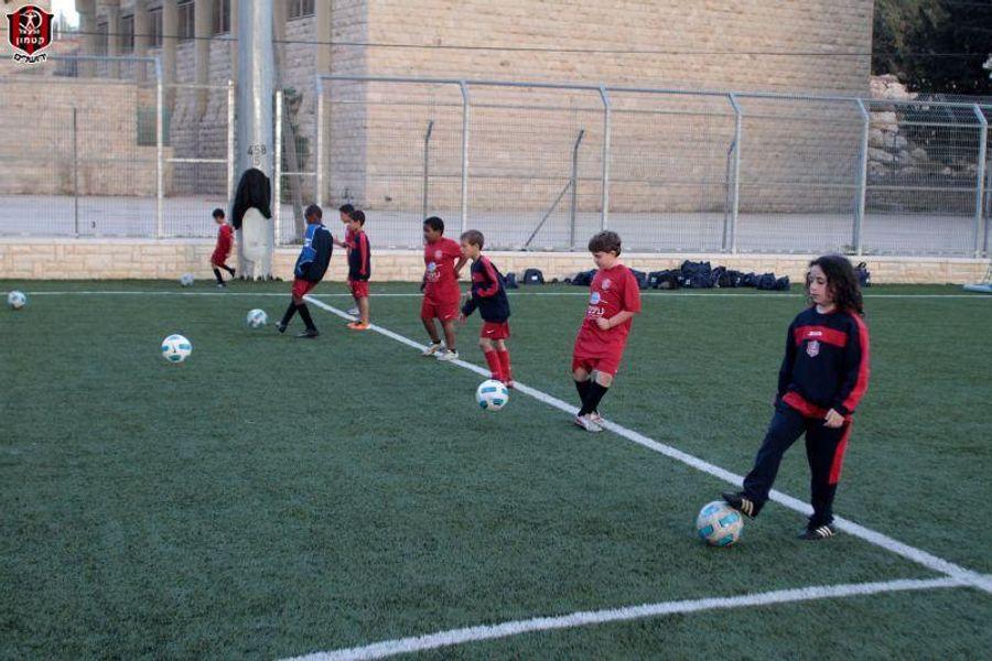 בית הספר לכדורגל - תמונות כלליות