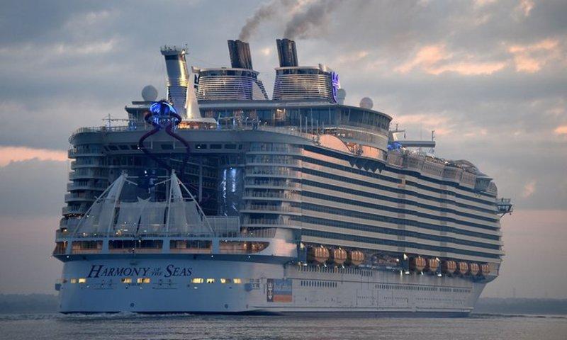 Самый большой круизный лайнер Harmony of the Seas