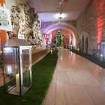 Thumbsq_gallery-venuees-the-guildhall-london-walkway-with-real-grass