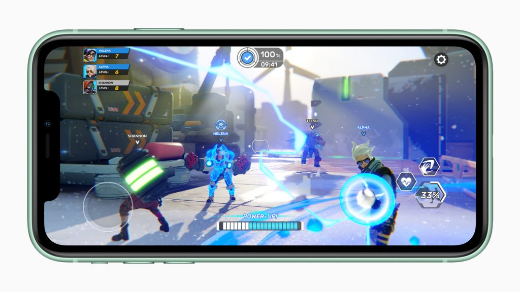 En la pantalla del iPhone 11 se muestra un videojuego