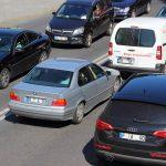 Varios coches en una retención