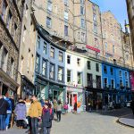 turistas compran con tarjeta en el extranjero