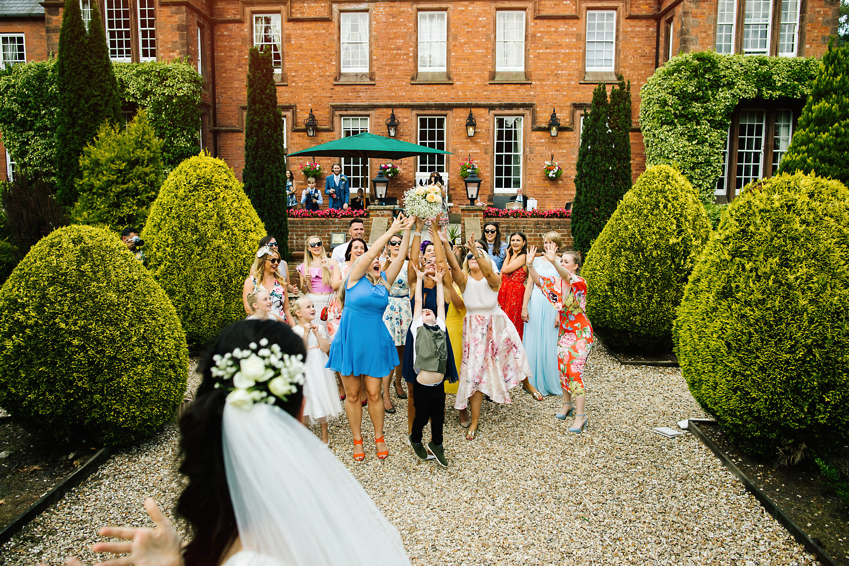 bouquet throw at nunsmere