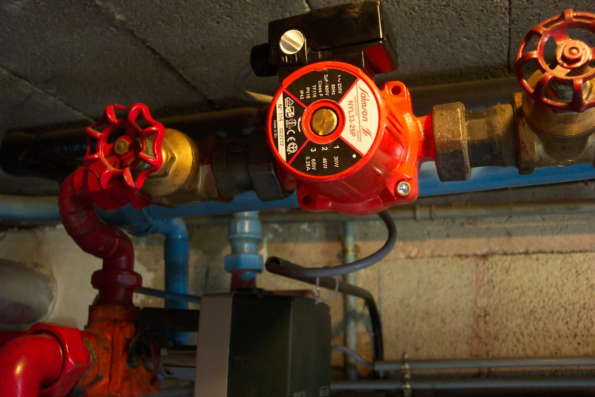 M&E Contractor - red-machine-machinery-pipes-heating-screenshot-1077568- Kiasu Workforce