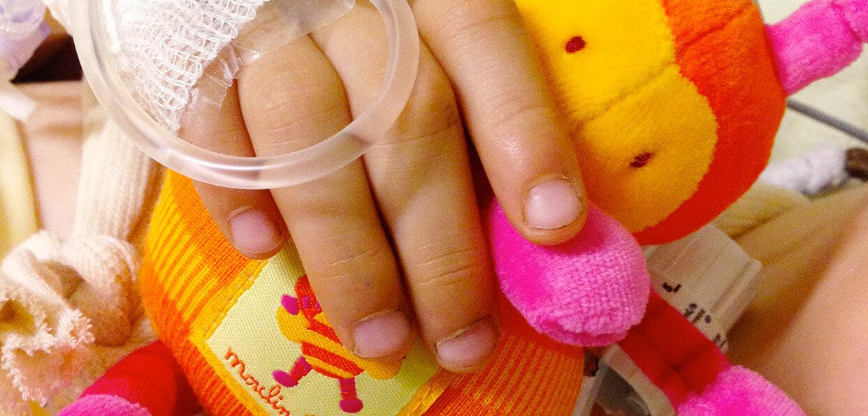 Améliorer le vécu de l'enfant et de ses parents à l'hôpital