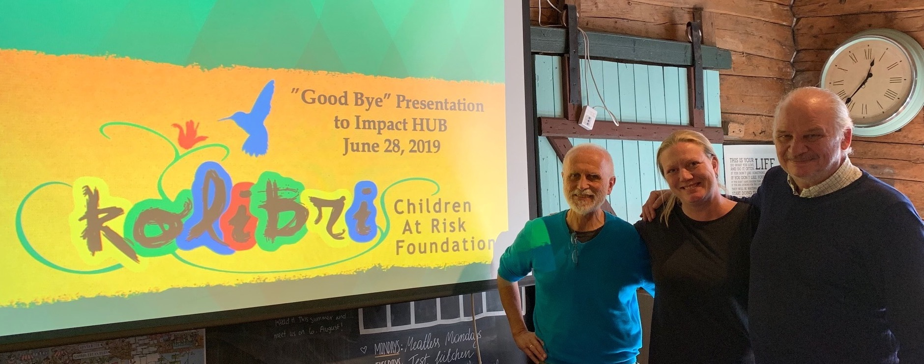 Takk for seks år på Impact Hub Bergen, f.v: Sigve Fjeldtvedt (CARF), Silje Grastveit (daglig leder Impact HUB) og Peter Munck (CARF).